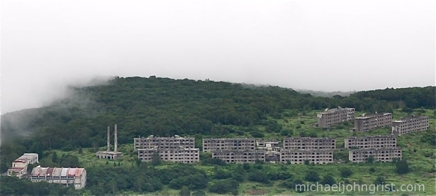 matsuo mine ruined apartments2