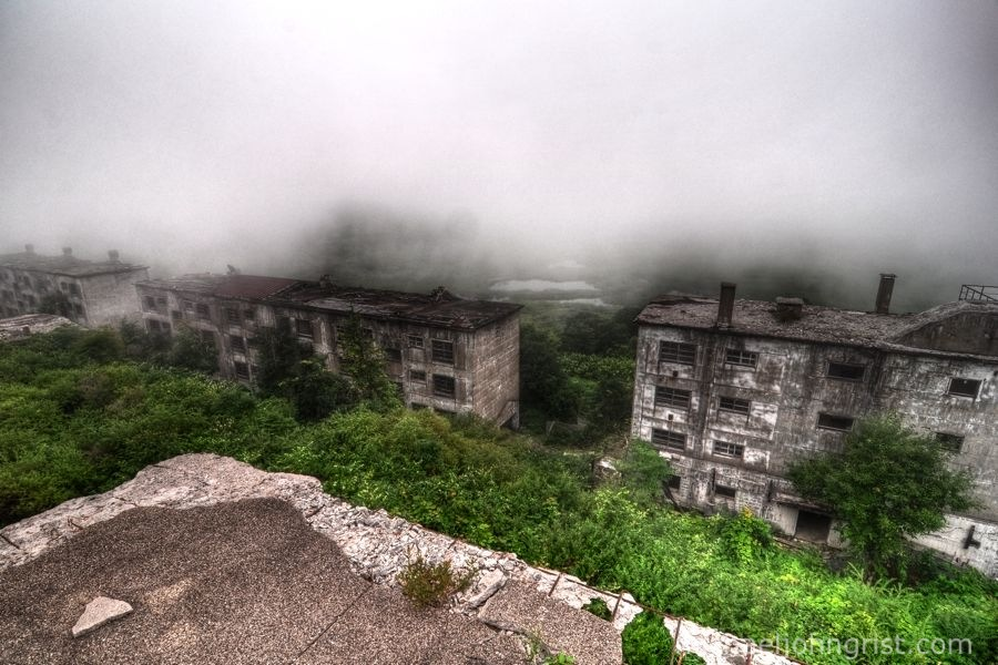 matsuo mine ruined apartments4
